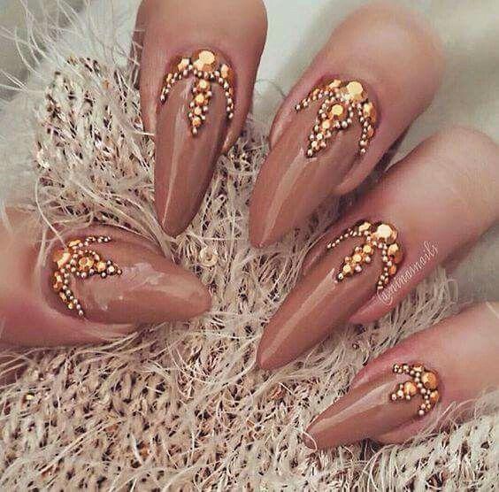 almond nail designs 2021 14